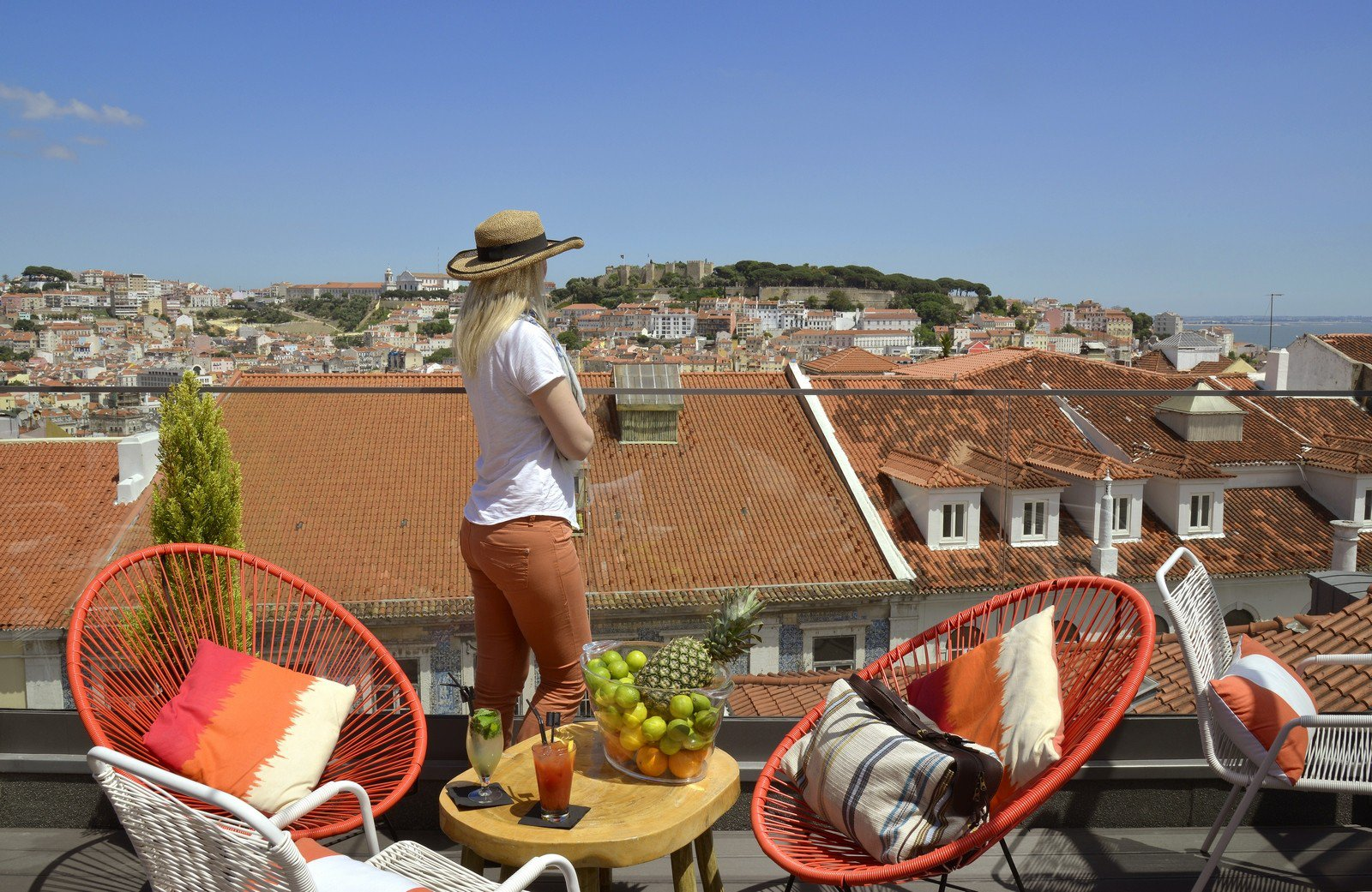 The Highlight of the 9 Hotel Mercy is definitely its roof top terrace, overlooking the St. George Castle in Lisbon, Portugal
