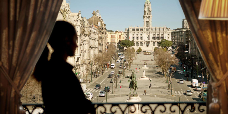 Intercontinental Porto overlooks the main square - Praça da Liberdade