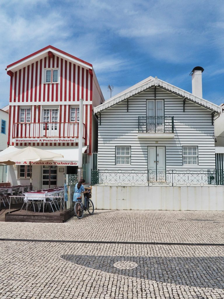 Costa Nova – A Gorgeous Mix of Colors, Fisherman Huts and Sea