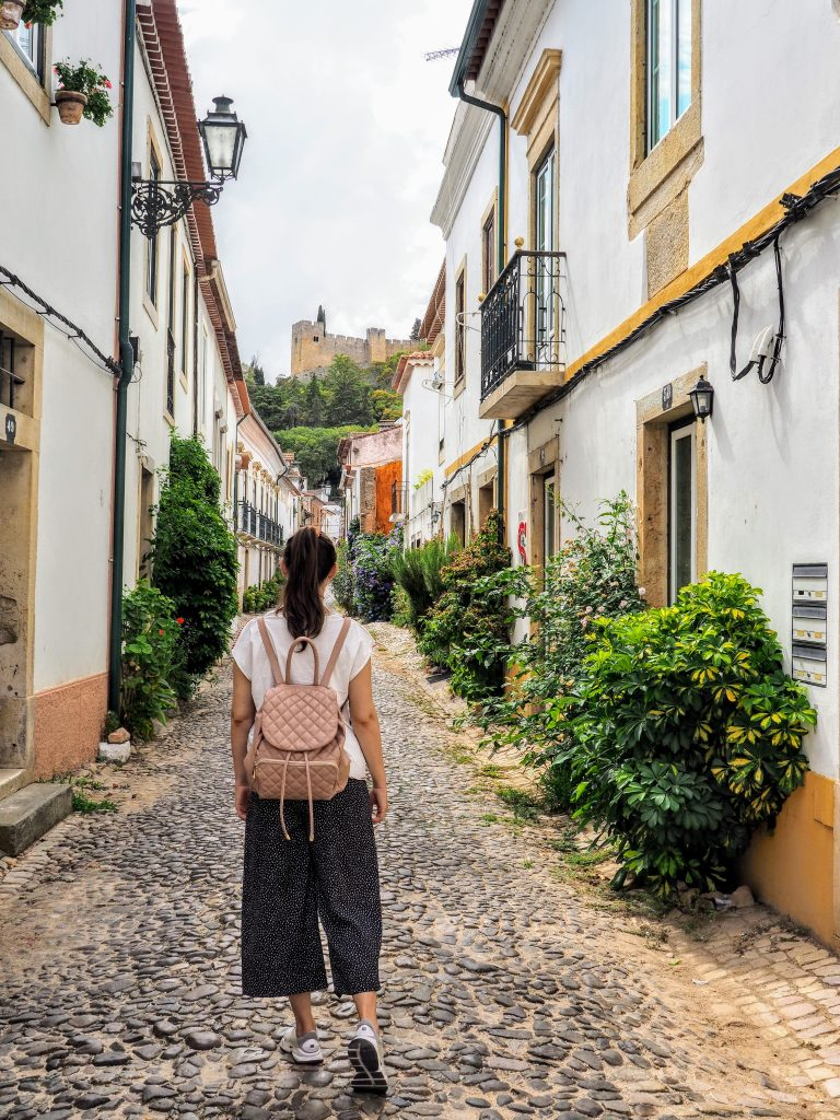 Castles, Knights And Charming Villages - Almourol, Tomar And Óbidos Day Trip - Hortense Travel