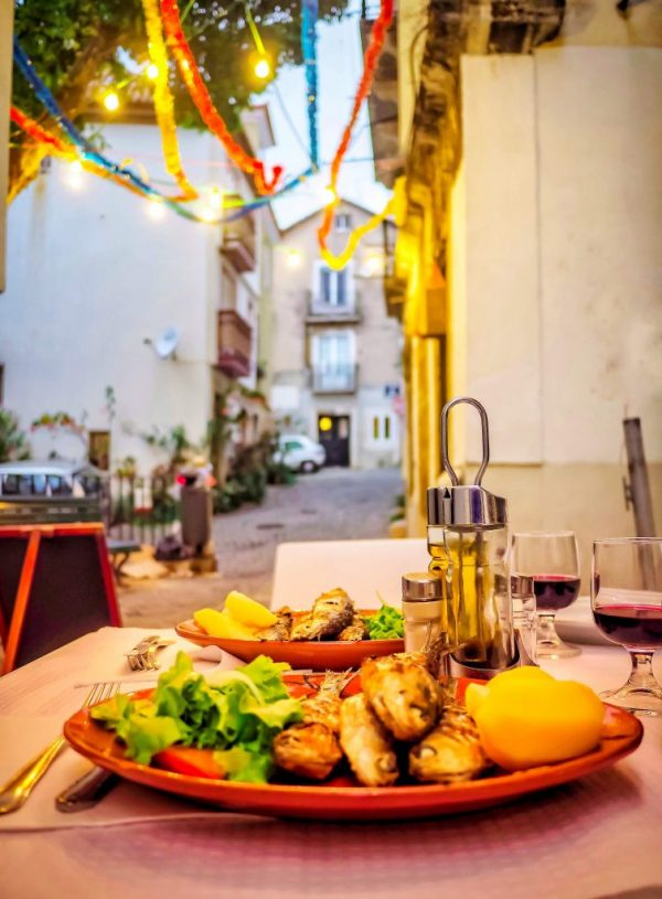 Tipping in Portugal – Everything You Need to Know