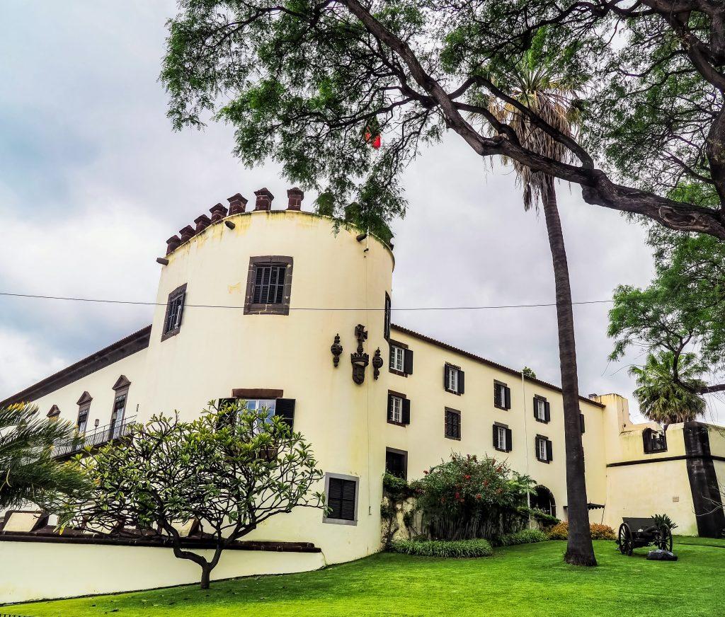 Sao Lourenco Palace