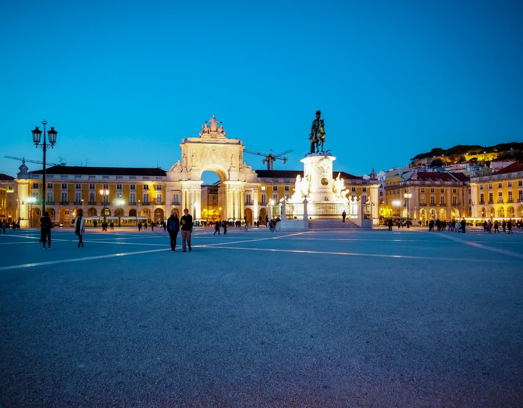 25 Best Things to Do in Lisbon - Praca do Comercio