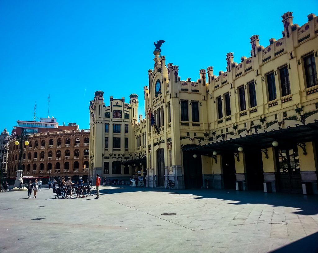 Hire a Bike to Sightsee in Valencia