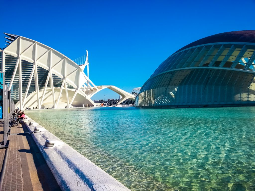 There are many reasons that attract visitors to the La Ciutat de les Arts i les Ciències (in English, City of the Arts and Sciences). If you're into modern architecture, there's no better place in Valencia for you to spend your time. Enjoy what its three main buildings have to offer.